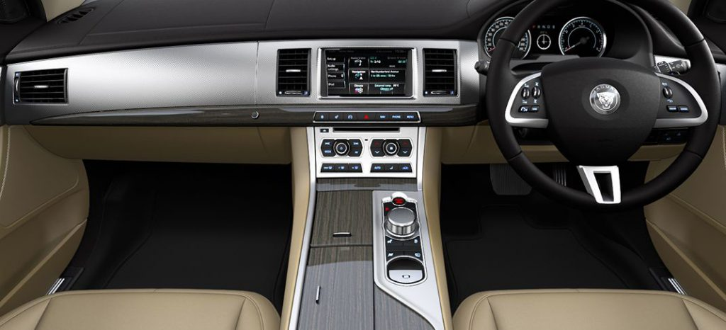 Jaguar XF Executive Dashboard (Photo: JLR)