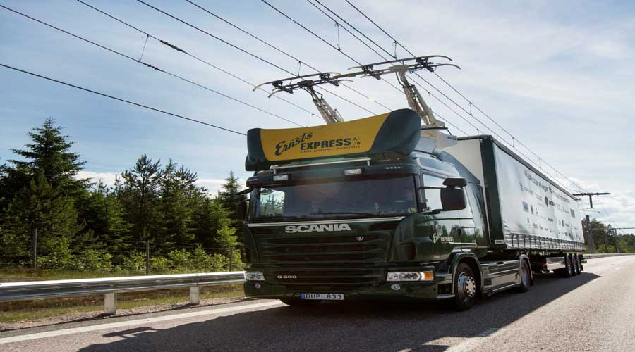 scania-test-truck-on-electric road