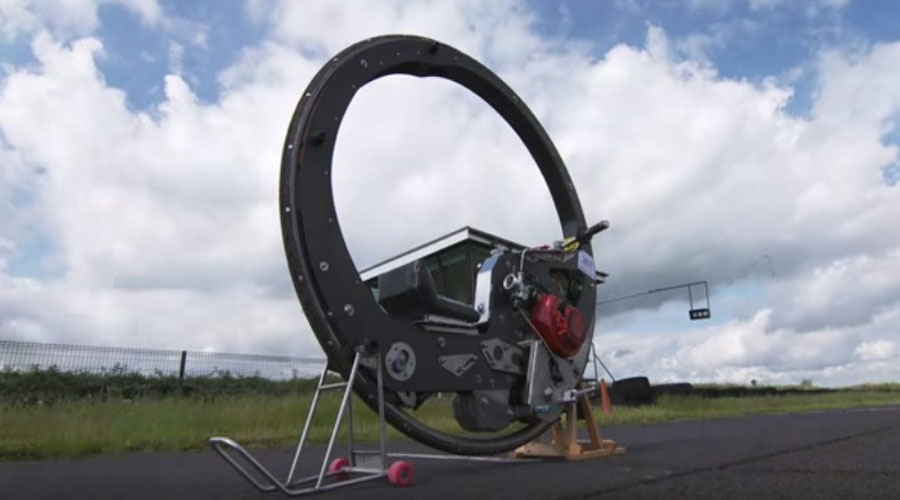 Monowheel-motorcycle-close-view