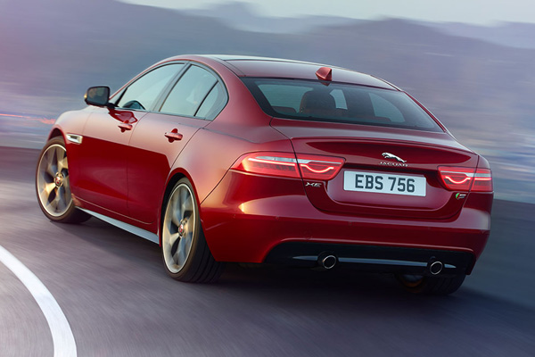 Jlr Launches Jaguar Xe Diesel In India For Rs 38 25 Lakh Carbiketech