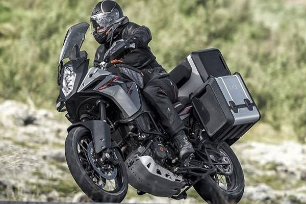 Adventure Tourer: KTM 390 Adventure (Photo: KTM)