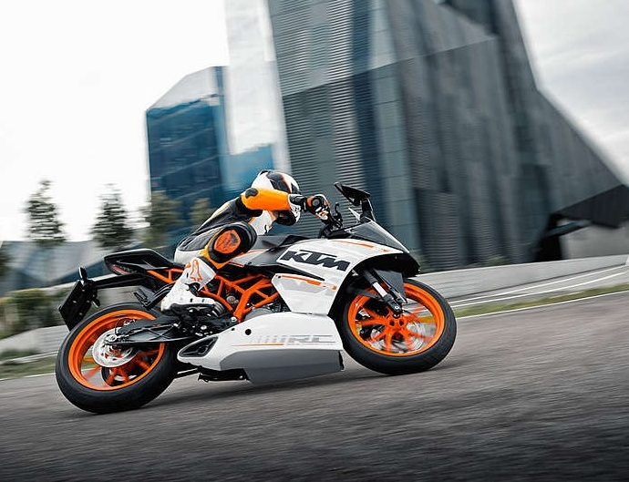 KTM RC390 (Courtesy: KTM)