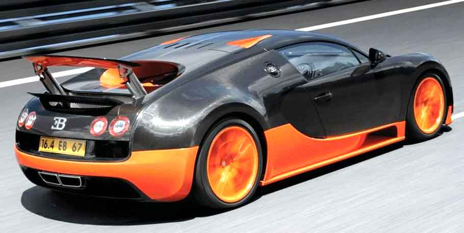 Active Rear Spoiler in Bugatti Veyron