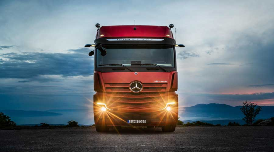 Mercedes Benz Actros 2019 front view