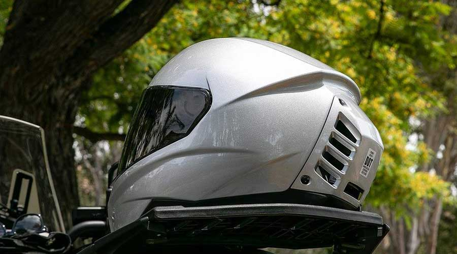 air-conditioned motorcycle helmet